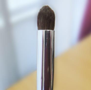 кисть-карандаш для теней