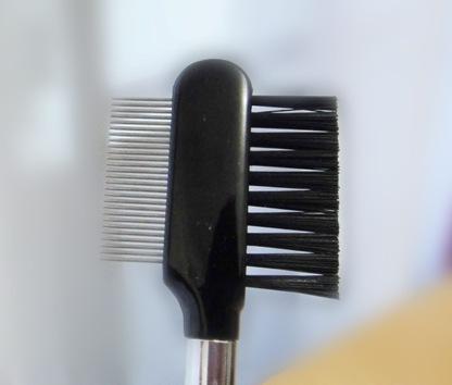 кисть для бровей и ресниц